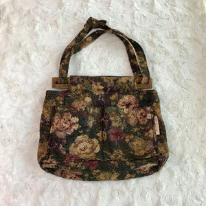 Vintage Boho Wooden Clasp Floral Tapestry Purse